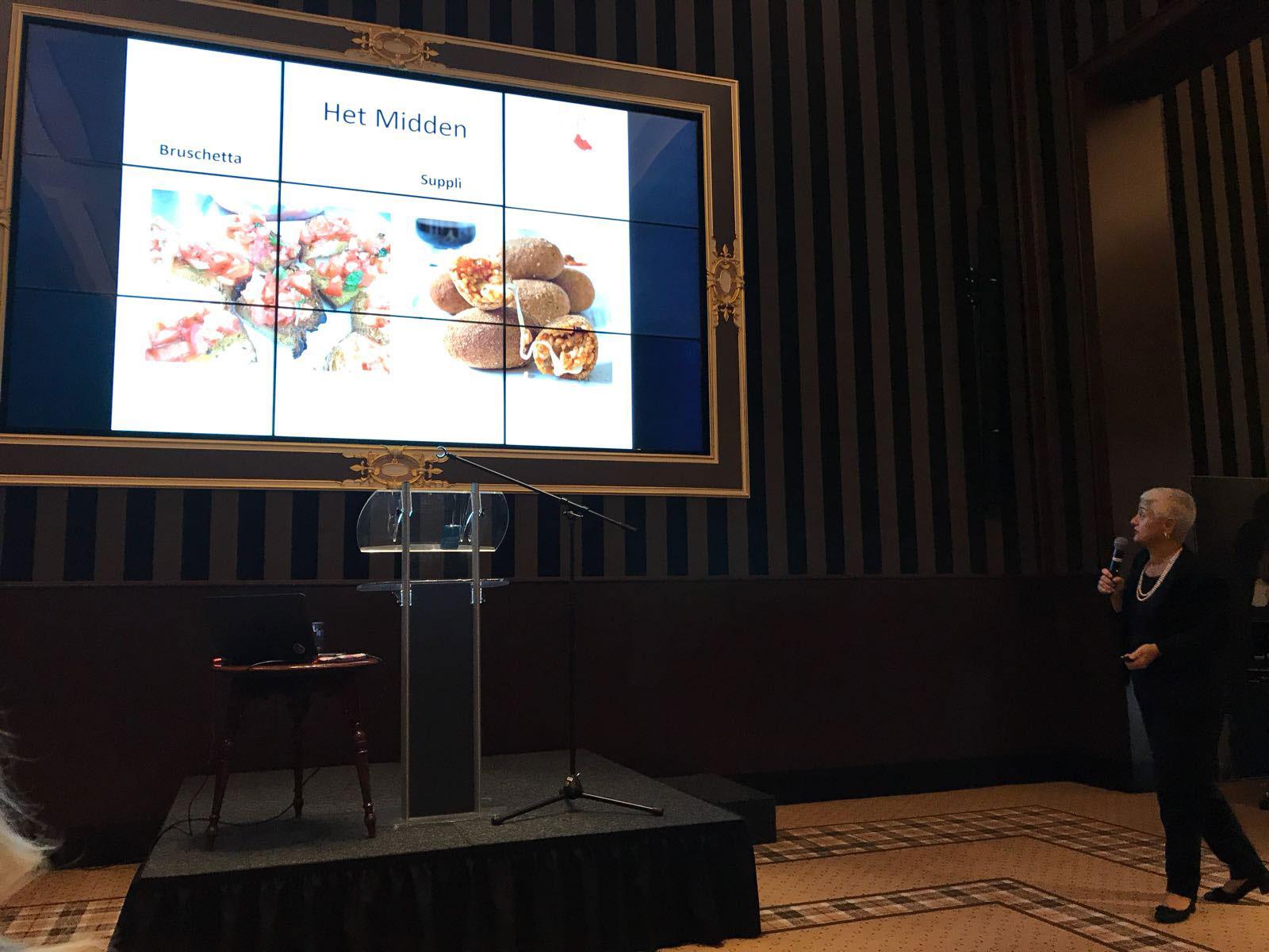 Marina Vizzinisi vertelt bij Sociëteit De Witte in Den Haag over Italiaanse typische gerechten