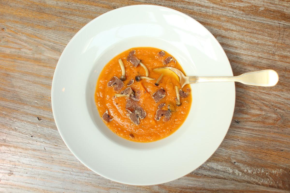 Zuppa zucca e tartufo - dall'articolo sulle ricette al tartufo del ristorante Ozio